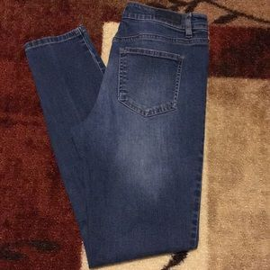 David Britton Buffalo skinny jeans size 6/28